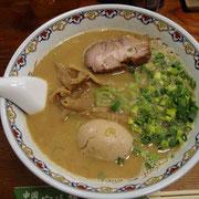 超濃厚だが油味はとても少ない濃厚鶏骨スープ麺 他の店では食べられない