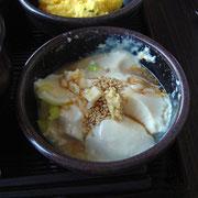 ホテルで毎朝作るお豆腐。味が濃く、ほんのり暖かく、一番おいしかったのでおかわりしました。