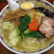 定番の麺菜 野菜たっぷり 麺もスープも具もすべておいしい