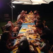 A cena in allegria.