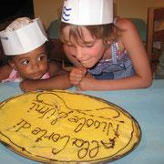Abbiamo dedicato il dolce alle giovani cameriere.