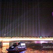 広州大橋と広州塔 当時,塔としては世界一の高さでした(支線式鉄塔を除く) [2010/11/28]