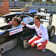 selbst im Formel Renn Auto fahren