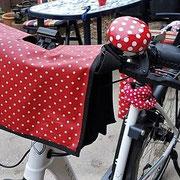 feewerk, Fahrradtaschen, Lenkertaschen, Fahrrad, Hollandrad, E-Bike Lenkertaschen, E-Bike, rot gepunktet, Punkte