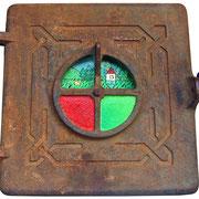 """""""la Quinta Stagione"""" (aperta) acrilici su ferro di vecchio sportello di stufa cm22,5x25,5"""