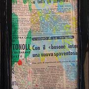 """""""ritagli di giornali sporchi di acrilici"""" cm16,5x21,5 (in vecchia cornicetta in legno) 4"""