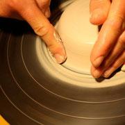 Ton durch erstes An-Zentrieren befestigen. Achtung Unterkante - auf Übergang achten!