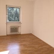 Verlegen von Laminatboden in einer Wohnung