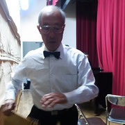幕間の舞台裏を駆ける設営担当