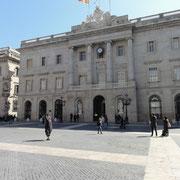 """mairie de Barcelone (""""Plaza Sant Jaume"""")"""