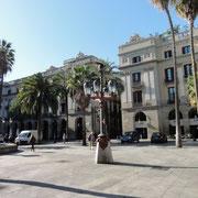 plaza real (lampadaire de Gaudí)