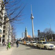 Marienkirche et Fernsehturm sur l'Alexanderplatz