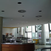 Renovierung der Akustikdecke in der Metrokantine Düsseldorf