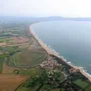 Cap de Creus, serralada de l'Albera, les platges i els camps del llarg de la badia de Roses