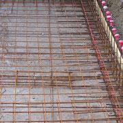 Piscines traditionnelle alpilles luberon piscines - Ferraillage piscine beton ...