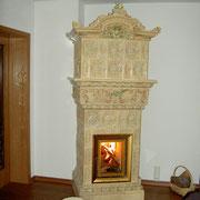 antiker Kachelofen