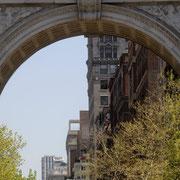 Der Washington Square Park zählt zu den bekanntesten der über 1700 öffentlichen Parkanlagen in New York City,...