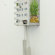 cuckoo block berlin - Künstler Edition HNRX   Holz, Mdf, Acrylglas, Knöpfe, LED Beleuchtung mit Batterie, Farbe, Elektronische Uhr bzw. Mechanismus, Lautstärke regelbar.Inkl. Bedienungsanleitung Ed. 1/5 ca. 75 x 26 x 17 cm