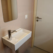 Badezimmer in rosé Tönen