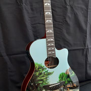 "Davide Ricchetti: ""Abbey Raod guitar"", aerografia su chitarra acustica (Yamaha J45), 2020"