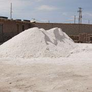 Der Besuch einer familiär geführten Salzfabrik gehört zu jeder individuellen Reise mit Bolivienline