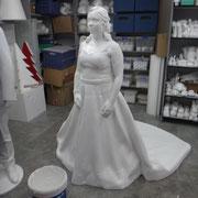 Talla de una escultura de la Novia real (Bodas especiales)