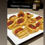 Mini tartelettes à la tomate au confit de moutarde