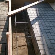 コンクリートを流し込みます。