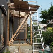 柱が立ったり、屋根ができたり。