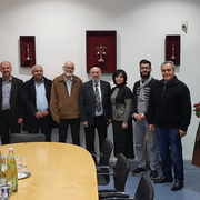 Nach dem Anschlag auf die Synagoge in Halle im Oktober 2019 besuchten die Vorstände aller Würzburger Moscheeverbände die Synagoge Shalom Europa in Würzburg um ihre Solidarität zu zeigen. Mit dabei auch unsere beiden Vorstände Hamza Özkan & Büsra Tascan.