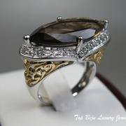 П-1112.Дизайнерское кольцо с натуральным дымчатым кварцем и фианитами, в серебре 925, позолота 24К. Клеймо пробы и дизайнера на изделии. ПОВТОР ПОД ЗАКАЗ