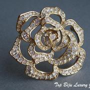 """П-950. Нежнейшая брошь """"Rose from Taylor"""" из лимитированной коллекции американской дивы Елизабет Тэйлор.Ювелирный сплав с позолотой, декор камнями СваровскиПОВТОР ПОД ЗАКАЗ"""