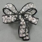 П-1470. Дизайнерская американская брошь от Кеннет Джей Лэйна. Ювелирный сплав с родием, камни Сваровски, черная эмаль. Объемная форма, размер-7.5х7см. Стильное универсальное украшение