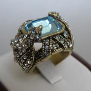 """П-1313. Коктельное кольцо """"Calibri"""" от дизайнера Хэйди Даус. Бронзированный сплав, декор CRYSTALLIZED™-Swarovski Elements.В наличии все размеры. Ручная работа, авторский дизайн."""