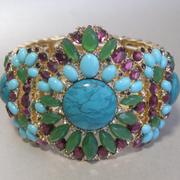 П-1443. Изысканный браслет от американского лакшери бренда ювелирной бижутерии. Позолота 14К, кристаллы Сваровски, кабошоны. Стретчевая основа, подойдет на любое запястье. Единственный экземпляр.