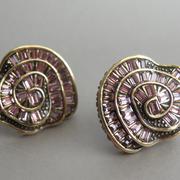 """П-1291. Серьги """"English Rose"""" от дизайнера Хэйди Даус. Бронзированный сплав, декор CRYSTALLIZED™-Swarovski Elements. Ручная работа, авторский дизайн."""