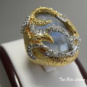 П-1057. Роскошное дизайнерское кольцо от вcемирно известного ювелира Алекса Биттара. Позолота 24К, натуральный камень, камни Сваровски.