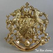 """П-1147. Американская дизайнерская брошь """"Геральдика"""" от Джоан Риверз (инфо в разделе ИМЕНА). Лев, корона, щит, меч, являются символами силы, могущества и великодушия. Ювелирный сплав под золото, размер-6х5.5см. ПОВТОР ПОД ЗАКАЗ"""