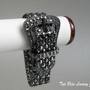 П-1009. Дизайнерский браслет от американского дизайнера Роберто Грациано. Ювелирный сплав ганметалл, декор камнями Swarovski.ПОВТОР ПОД ЗАКАЗ