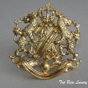 """П-1031. Американская дизайнерская брошь """"Геральдика"""" от Джоан Риверз (инфо в разделе ИМЕНА). Лев, корона, щит, меч, являются символами силы, могущества и великодушия. Ювелирный сплав под золото, размер-6х5.5см. ПОВТОР ПОД ЗАКАЗ"""