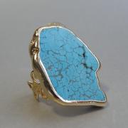 П-1244. Дизайнерское американское кольцо, флекс размер 16-19. Ювелирный сплав с позолотой, декор крупным камнем натуральной бирюзы. Ручная работа.