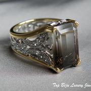 П-980. Колье от дизайнера Хэйди Даус. CRYSTALLIZED™ - Swarovski Elements,бронзированный сплав, граненные хрыстальныеДизайнерское американское кольцо с натуральным топазом. Оправа выполнена из серебра925 с позолотой 24К, декор фианитами, ручная работа.
