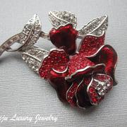"""П-849. Красивейшая брошь """"Роза"""" от американского дизайнера Нолан Миллера. Ювелирный сплав с родием, декор камнями Сваровски. Повтор под заказ"""