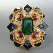 """П-1357. Коллекционная дизайнерская брошь-кулон брошь """"Имперская"""" от американского дизайнера Джoан Риверз. Богатая цветовая гамма, декор камнями Сваровски, эмалью, позолота 24К. Размер 6.7х6см."""