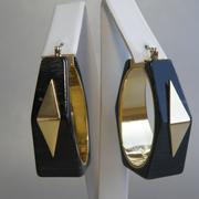 П-1275. Стильны серьги от американского дизайнера Винс Камюто. Ювелирный сплав под золото, маркировка.