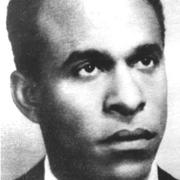 Frantz Fanon: Schriftsteller und Theoretiker, war selbst Kriegsteilnehmer auf Seiten des Freien Frankreich, beschreibt in «Peau noir, masque blanc» die rassistische Haltung, innerhalb der alliierten Streitkräften gegenüber Schwarzen Kolonialsoldaten.