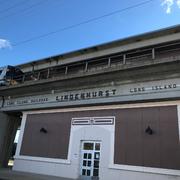 リンデンハーストの駅舎。