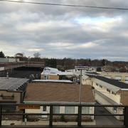 駅ホームから見下ろしたリンデンハーストの町。