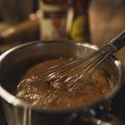 Teriyaki-Sauce selber machen ist kinderleicht.