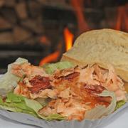 Flammlachs-Schale | große Portion mit Salat und Brötchen